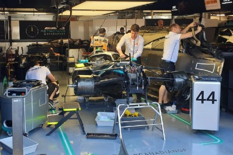 Sorgen um Hamilton-Auto: Mercedes entdeckt Hydraulik-Leck