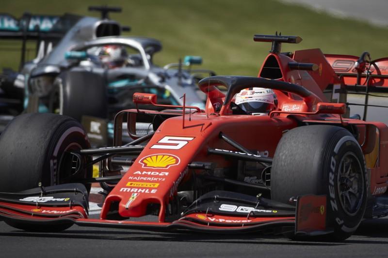 Trotz Vettel-Strafe: Lewis Hamilton wollte Ferrari überholen