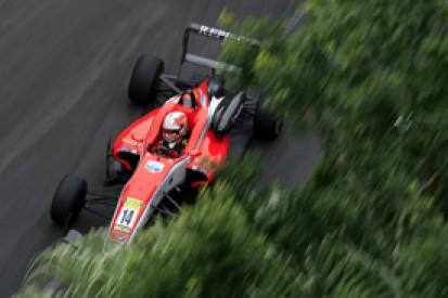 Macau F3: Rookie Alex Lynn secures pole on debut