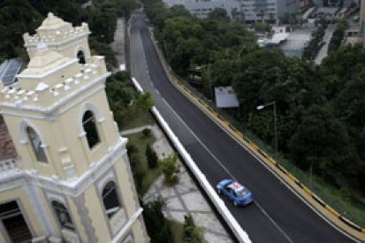 Macau WTCC: Rob Huff storms to pole after setting new lap record