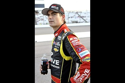 Richmond NASCAR: Jeff Gordon takes pole for Chase-deciding race