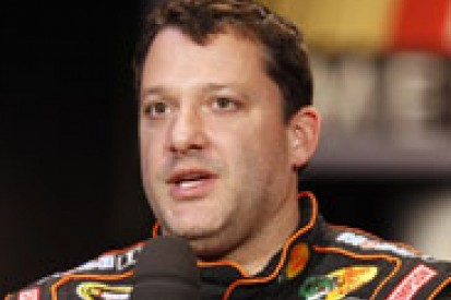 Tony Stewart optimistic of recovering in time for 2014 Daytona 500