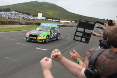 Knockhill BTCC: Colin Turkington wins again in race two