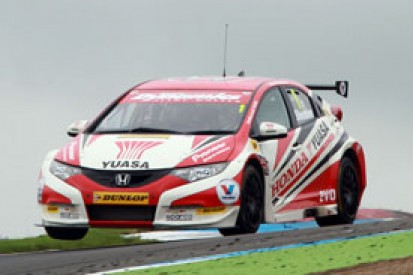 Knockhill BTCC: Gordon Shedden puts Honda on top in practice