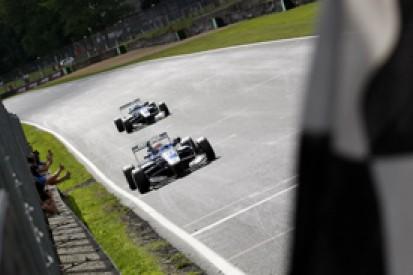 Brands British F3: Jazeman Jaafar resists Jordan King in race one