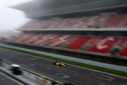Barcelona FR3.5: Kevin Magnussen gets pole in fog-hit session
