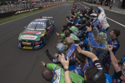 Bathurst V8s: Mark Winterbottom holds off Jamie Whincup for win