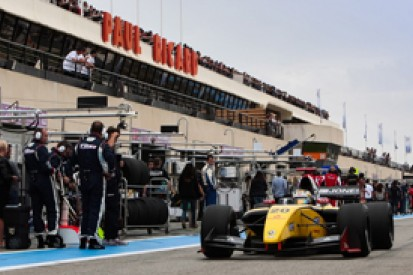 Ricard FR3.5: Kevin Magnussen responds with race two pole