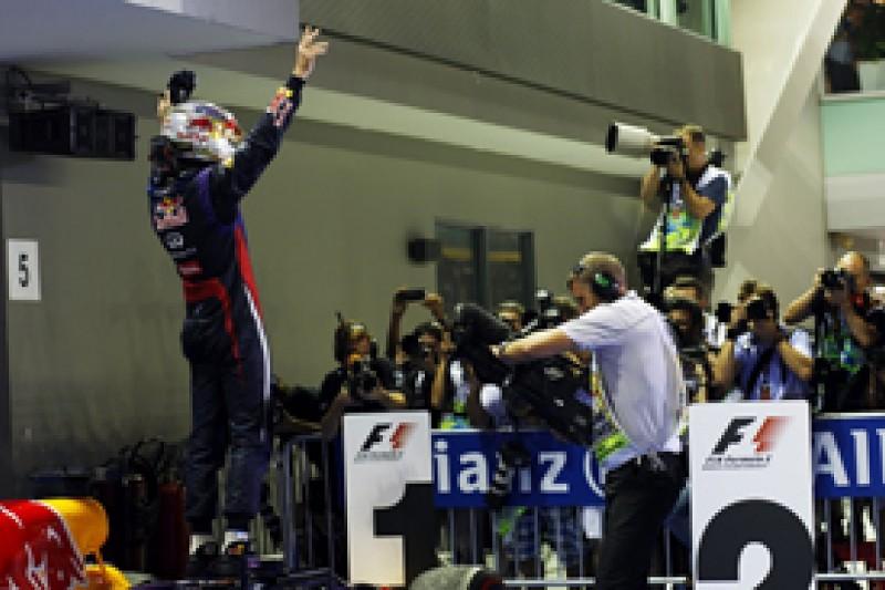 Singapore GP: Sebastian Vettel leaves action behind as he dominates