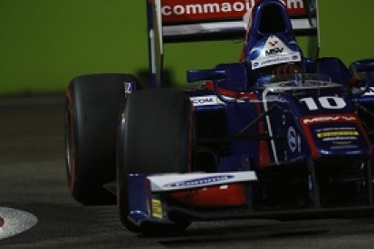 Singapore GP2: Jolyon Palmer leads Felipe Nasr in Carlin front row