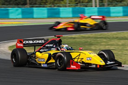 Hungaroring FR3.5: Magnussen secures pole for race two