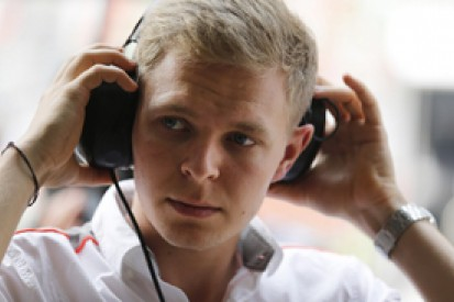Kevin Magnussen closes on 2014 McLaren F1 seat over Sergio Perez