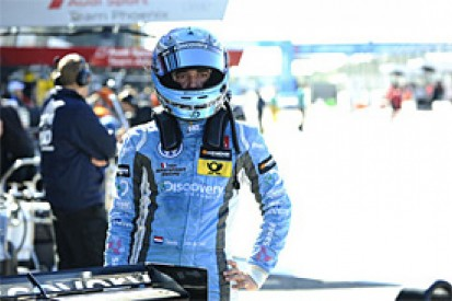 Dennis Van de Laar replaces Mitch Gilbert at Mucke for Macau F3 GP