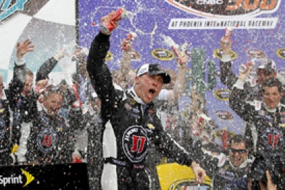 Phoenix NASCAR: Kevin Harvick takes dominant win