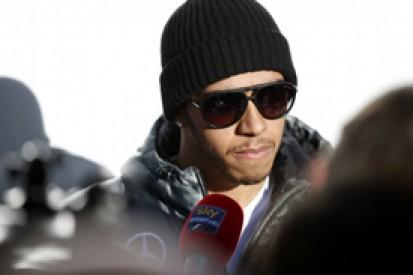 Lewis Hamilton can handle Formula 1's fuel economy rules - Mercedes