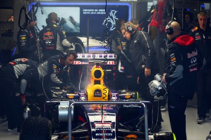 Red Bull forced to stop running on Jerez Formula 1 test day two