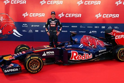 Toro Rosso F1 team reveals its first Renault-powered car, the STR9