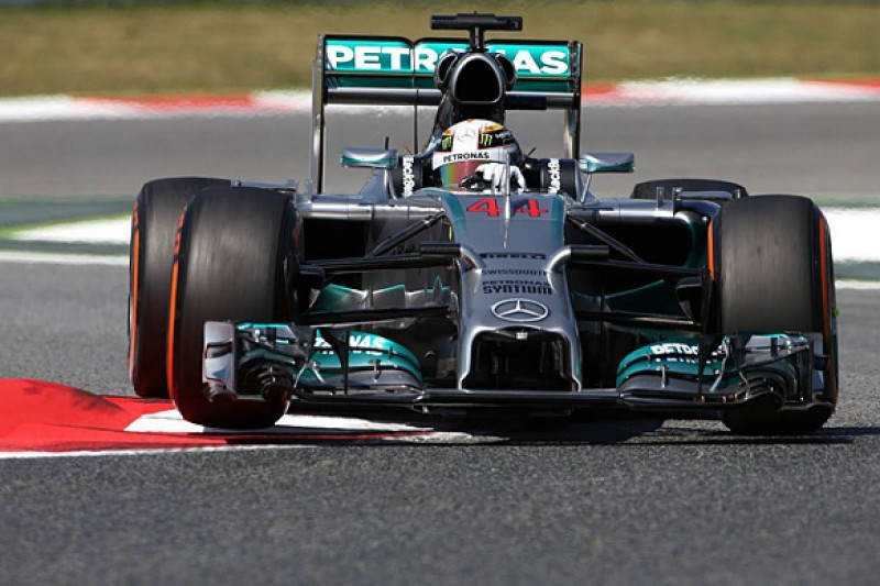 Spanish GP: Lewis Hamilton stays on top in FP2