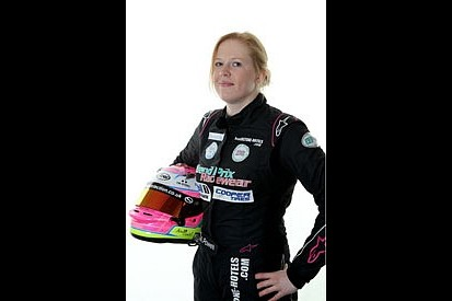 Ex-GP3 racer Alice Powell joins Carlin for British Formula 3 opener at Rockingham