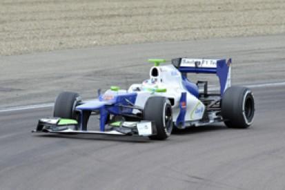 Simona de Silvestro makes Formula 1 debut with Sauber