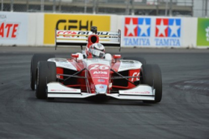 Long Beach Indy Lights: Veach secures pole in thrilling session