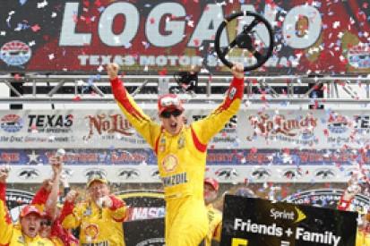 Texas NASCAR: Joey Logano wins despite late yellow