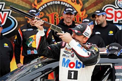 Texas NASCAR: Tony Stewart surges to pole position
