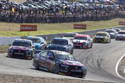 Symmons Plain V8s: Craig Lowndes denies Jamie Whincup in race three