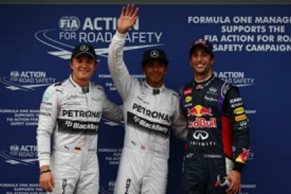 Australian GP: Hamilton denies Ricciardo pole in damp, Vettel 13th