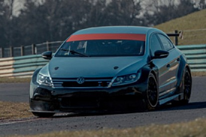 Alain Menu has first test in BTCC VW Passat at Croft