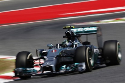 Spanish GP: Nico Rosberg leads Lewis Hamilton in final practice