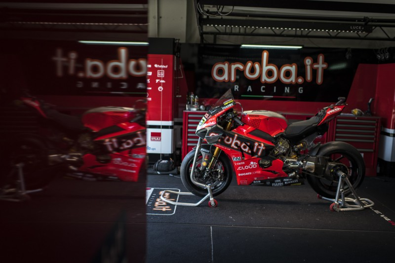 Nur ein Fahrer schnell: Ducati V4R wie die Honda RC213V in der MotoGP?