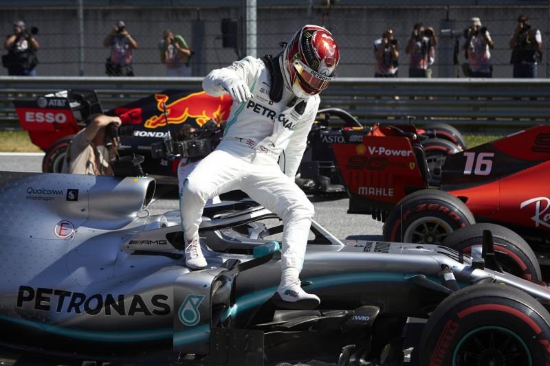 Startaufstellung sorgt für Verwirrung: Hamilton auf Startplatz vier!