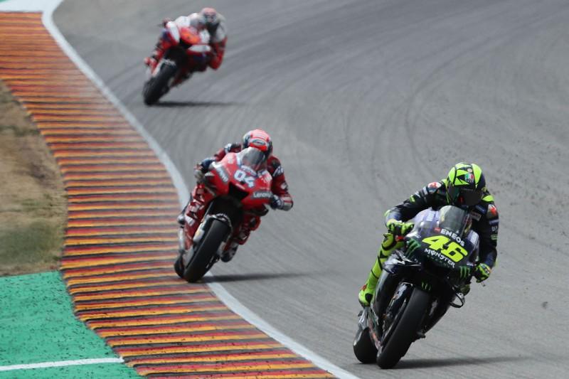 Sachsenring-Freitag: Rossi und vier andere von Rennleitung verwarnt