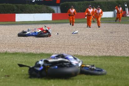 """""""Motorrad in zwei Teile gerissen"""" - Auch Sandro Cortese stürzt auf der Ölspur"""