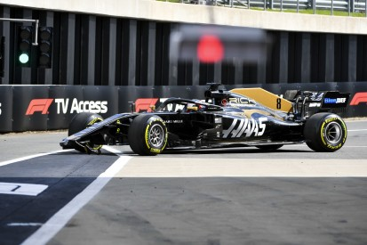 """Über """"peinlichen"""" Moment gelacht: Grosjean erklärt Boxengassen-Crash"""