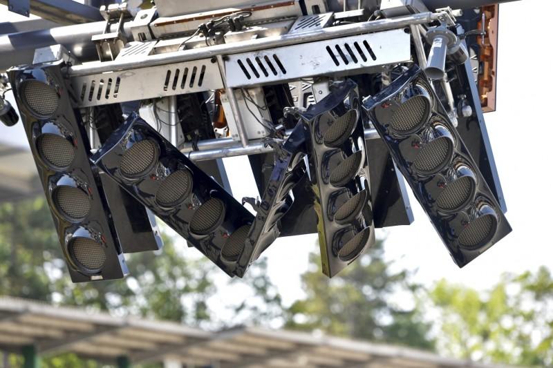 Peinliche Panne: Bus beschädigt Formel-1-Startampel in Hockenheim!
