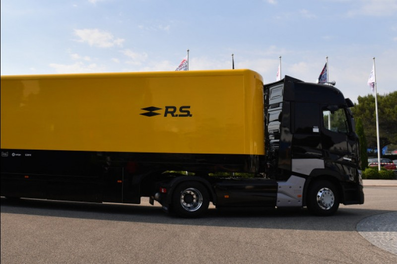 Renault bestätigt: Fahrer von Unfall-Truck nicht mehr im Krankenhaus