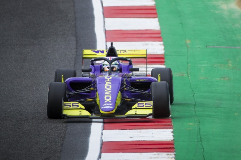 W-Series Brands Hatch 2019: Chadwick bei Titeljagd auf Pole