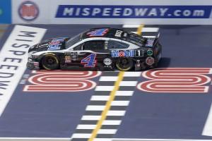 NASCAR Michigan: Harvick gewinnt Spritpoker nach Rundenrückstand