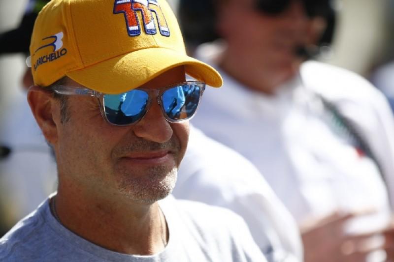 Rubens Barrichello fährt Auftaktrennen der australischen V8-Formelserie