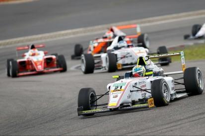 Formel 4 Nürburgring 2019: Spitzenreiter Pourchaire gewinnt erstes Rennen