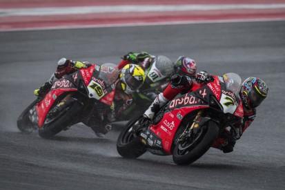 Ducati Panigale V4R: Bei Regenrennen deutlich fahrbarer als die V2-Panigale