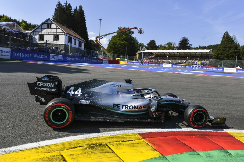 Hamilton verpasst erste Reihe nach FT3-Crash knapp