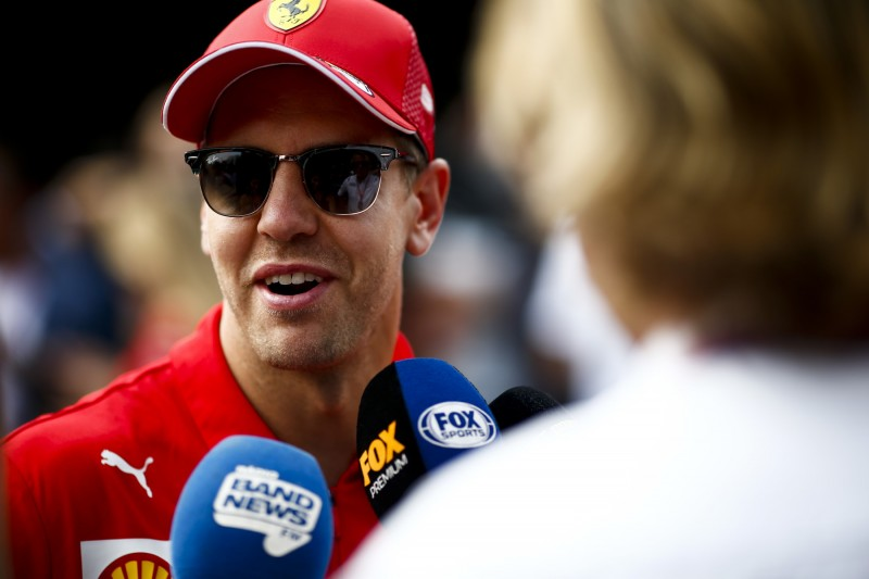 Sebastian Vettel ganz umweltbewusst: Mit dem Zug nach Monza!
