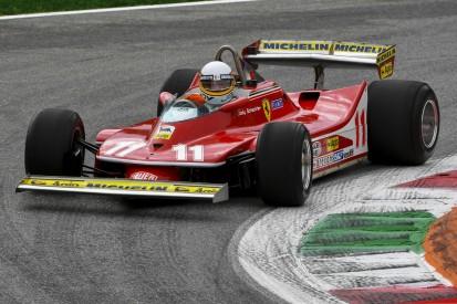 Jody Scheckter fährt in Monza Demorunden im Weltmeister-Ferrari