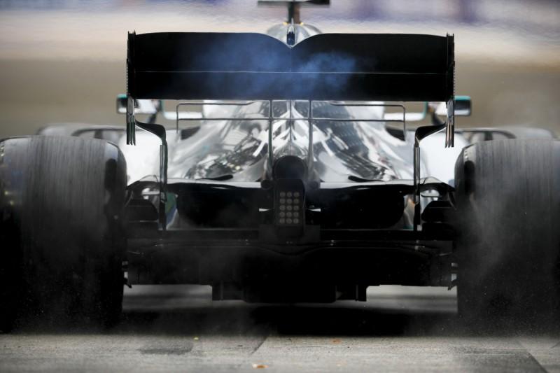 Benzin zu kalt: Strafe gegen Lewis Hamilton