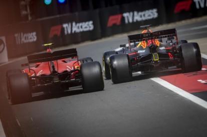 Hartes Racing: Verstappen begrüßt neue Linie der FIA