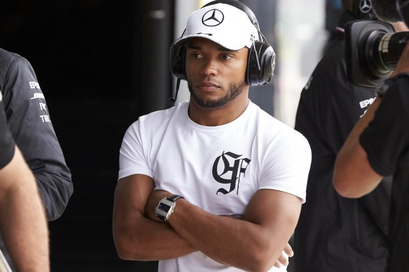 Lewis Hamiltons Bruder legt Rennfahrer-Karriere vorerst auf Eis