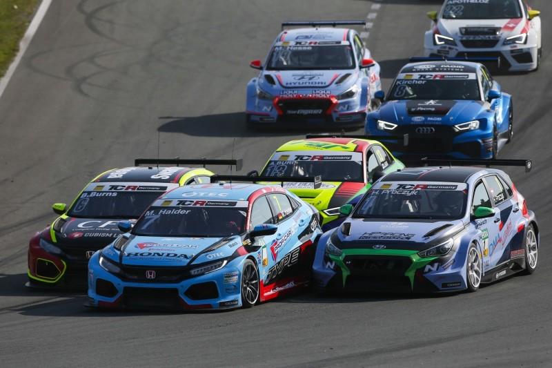 Enger Titelkampf beim Saisonfinale der TCR Germany auf dem Sachsenring